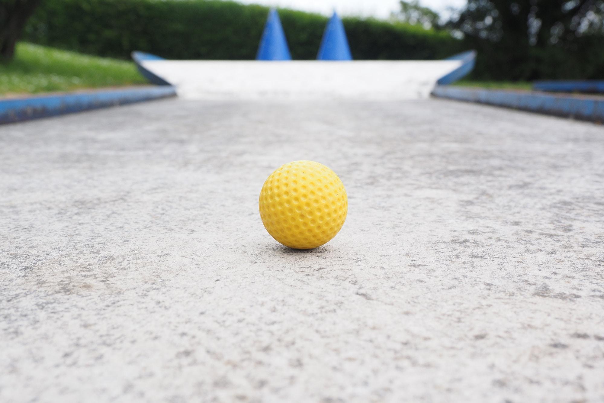 ball-1271982