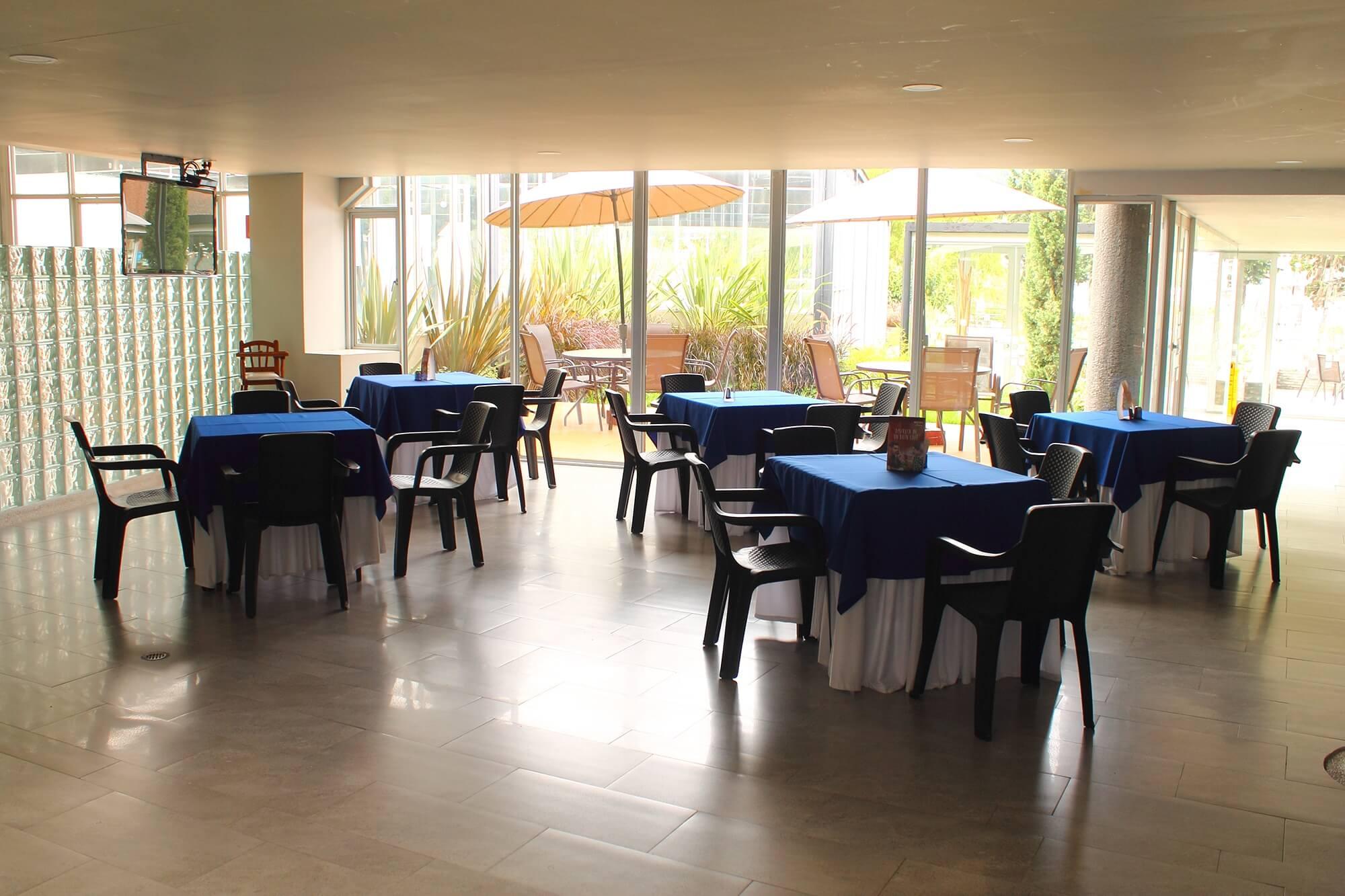 04.03 Social Cafeteria (2)
